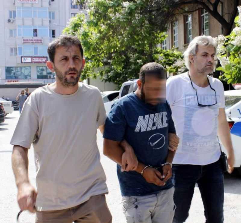Park Halindeki Araçları Ezip, TIR'a Yükleyen 3 Kişi Yakalandı