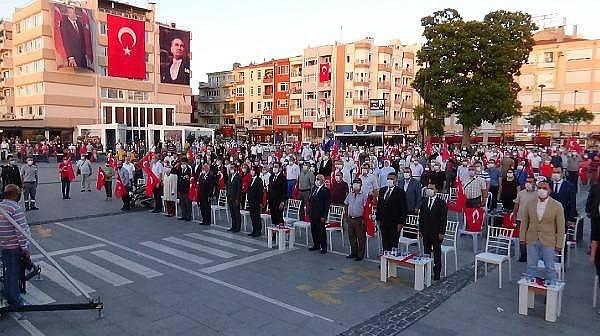 Çanakkale'de Demokrasi Meydanı'nda 15 Temmuz Anma Töreni