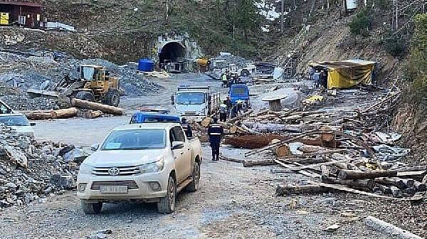Yenice'de Maden Ocağı Çöktü, Bir İşçi Göçük Altında