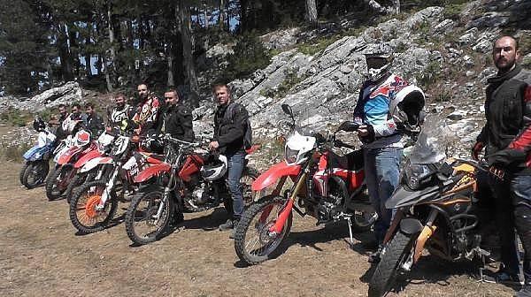 Motosiklet Tutkunlarından Kazdağları'nda Temizlik