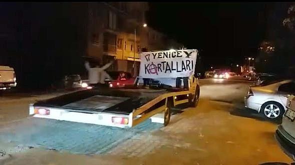 Çanakkale'de Beşiktaşlı Taraftarlardan Şampiyonluk Kutlaması