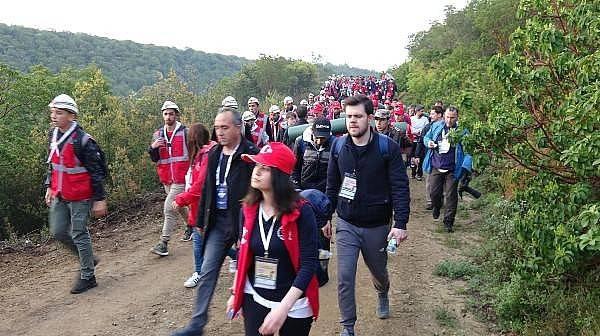 Çanakkale'de 8 Bin Türk, Dedelerinin İzinde Yürüdü
