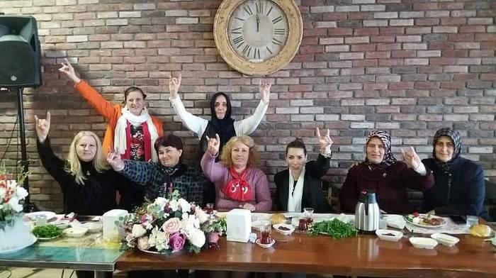 MHP'li Kadınlar Kahvaltıda Buluştu