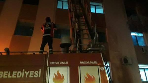 Bayramiç Devlet Hastanesi Eczane Deposundaki Yangın Korkuttu