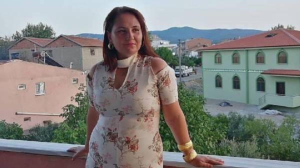 Evinin Balkonundan Düşerek Hayatını Kaybeden Kadın Toprağa Verildi