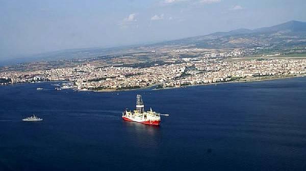 Yavuz Sondaj Gemisi, Çanakkale Boğazı'ndan Geçti
