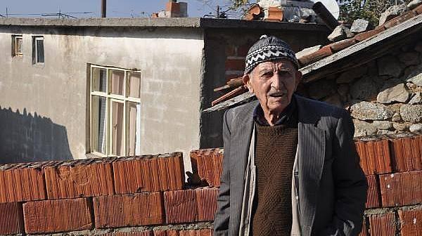 Yaşlı Adamın Evi, Yangında Kullanılamaz Hale Geldi