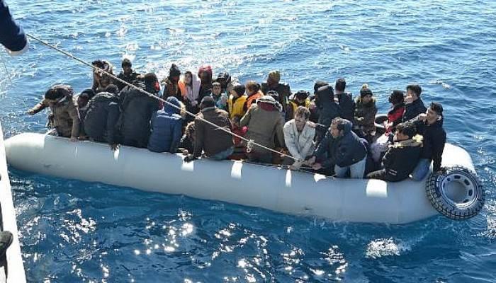 Sahil Güvenlik Yardım İsteyen 196 Göçmeni Kurtardı