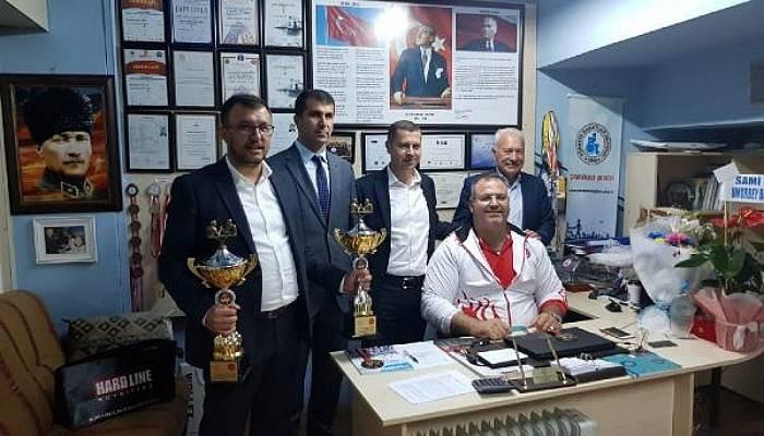 AK Partili Başkanlardan, Dünya Şampiyonuna 'Tebrik' Ziyareti
