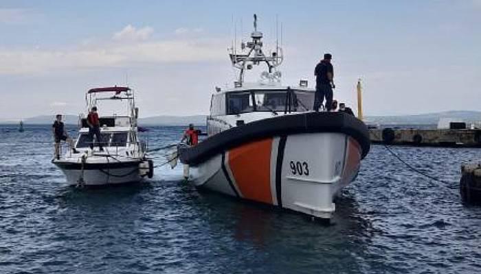 Mavriya Açıklarında Arızalanan Teknedeki 8 Kişiyi Sahil Güvenlik Kurtardı