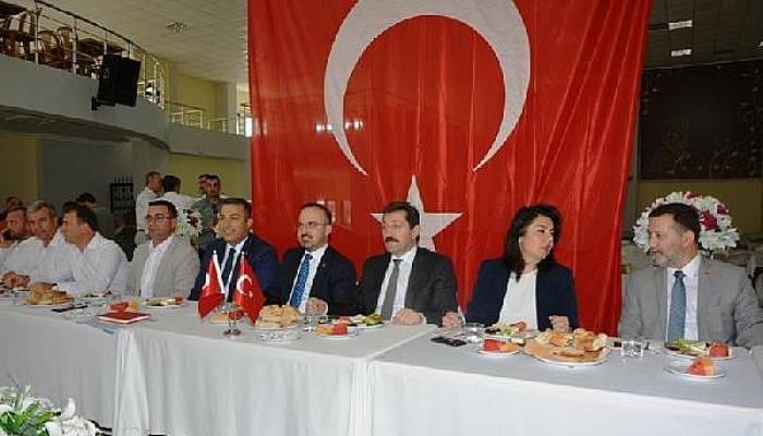 AK Parti'li Turan: MuhtarlarDemokraside Kılcal Damar Görevi Yapıyor