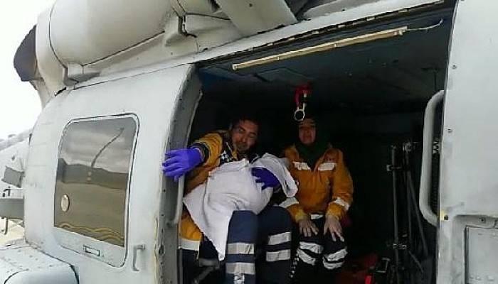 Deniz Kuvvetleri Helikopteri Zehra Bebek İçin Havalandı