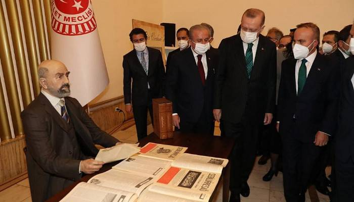 Gazi Meclis'te Çanakkale ve Akif Rüzgarı Esti