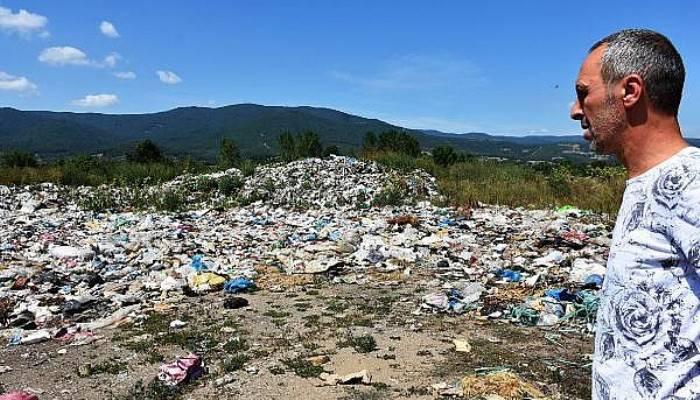 Kaz Dağları'ndaki Çöplük Alan, Çilek Tarlaları ve Çevre İçin Tehdit Oluşturuyor