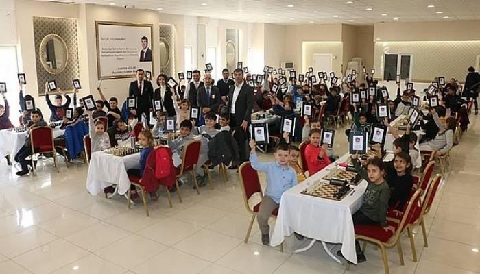 Bayramiç Belediyesi Satranç Turnuvasına Yoğun İlgi