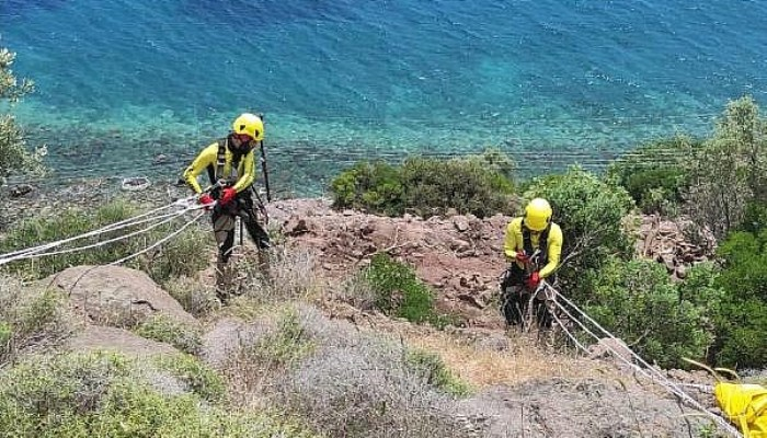 Assos Antik Liman'daki Kaya Islahı Çalışmalarına Dağcılar da Katılıyor