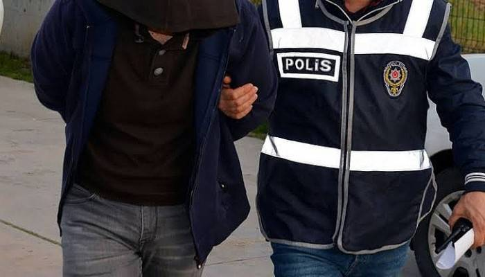Çanakkale'de FETÖ Üyesi Esnafa Gözaltı