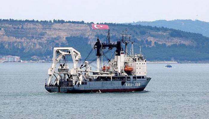 Rus Askeri Kurtarma Gemisi, Çanakkale Boğazı'ndan Geçti