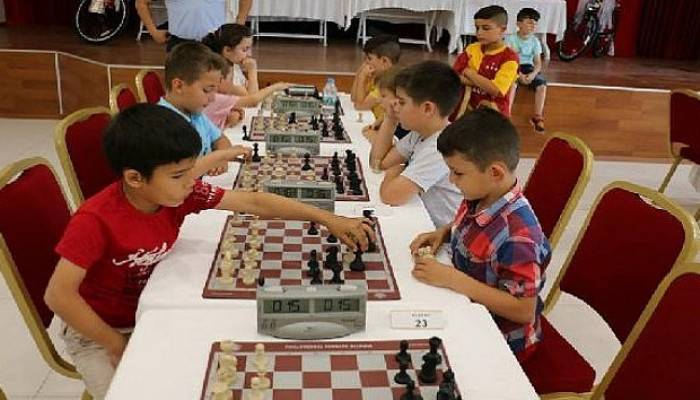 Bayramiç Belediyesi'nden Satranç Turnuvası Kategoride Ara Bayramiç Belediyesi'nden Satranç Turnuvası