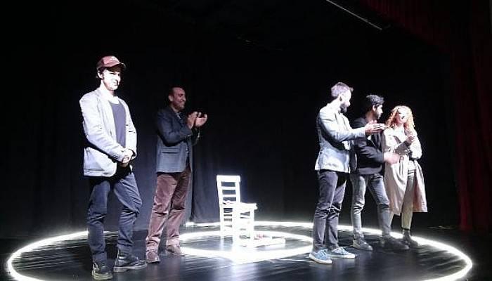 Bozcaada'da Tiyatro Festivali Başladı