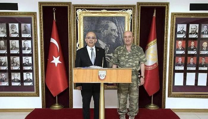 Rektör Murat, 2'nci Kolordu Komutanı Korgeneral Aksakallı'yı Ziyaret Etti