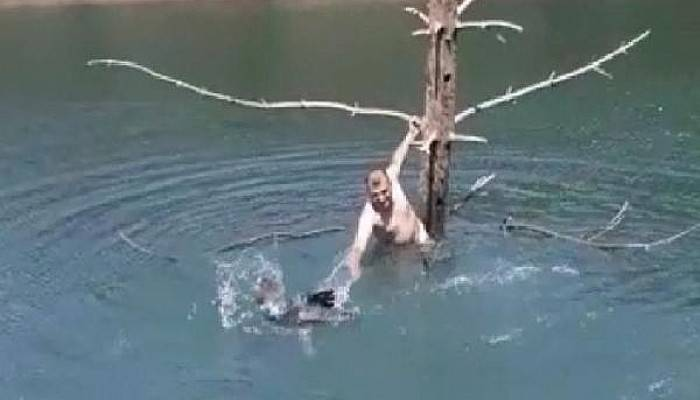 Ayağına Misina Dolanan Balıkçıl Kuşunu Kurtardı