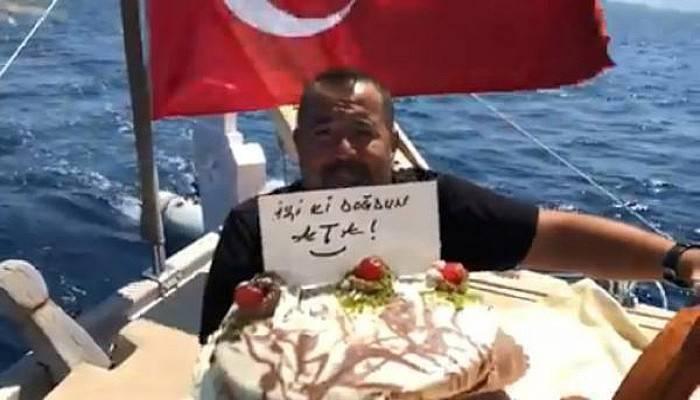 Ata Demirer'den Güldüren Doğum Günü Klibi