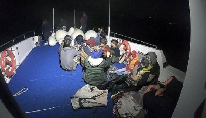Ayvacık'ta 45'i Çocuk, 90 Kaçak Göçmen Yakalandı