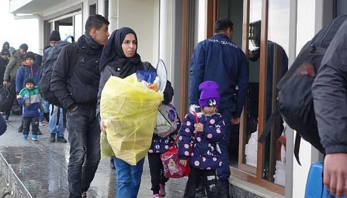 Ayvacık'ta 189 Kaçak Göçmen Yakalandı