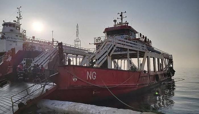 Çanakkale Boğazı'nda Balıkçı Teknesi, Feribota Çarptı