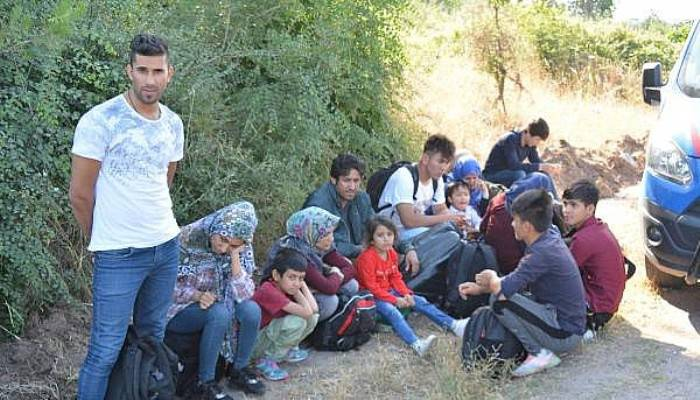Ezine'de 45 Kaçak Göçmen Yakalandı