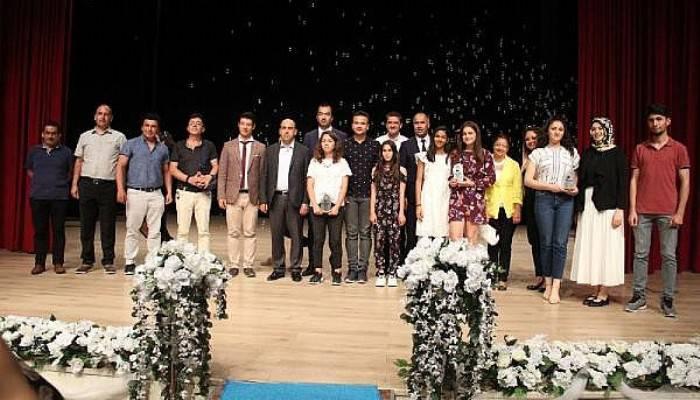 Biga'da 'Engelsiz Eğitim' Kısa Film Yarışmasında Ödüller Sahiplerini Buldu