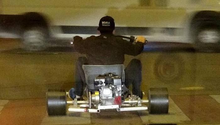 Go-Kart Aracıyla Trafiğe Çıktı, Patinaj Yaparak Sürücüleri Korkuttu