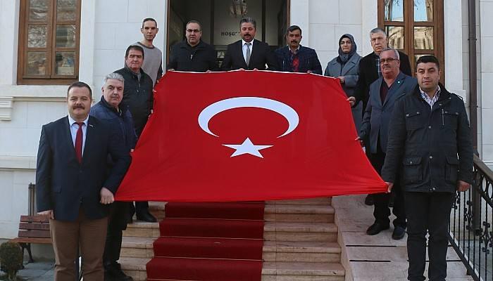 Türk Bayrağını Yırtan Yunan Vekile Tarihi Cevap