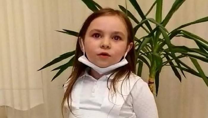 Minik Ece,Hemşire Elbisesiyle Sağlık Çalışanlarına Teşekkür Etti