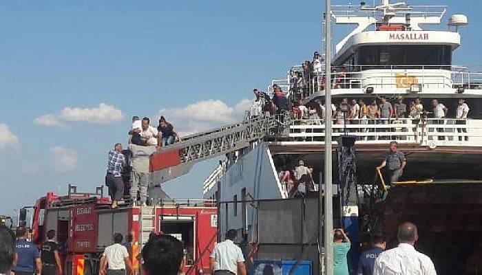 Feribotta Yangın Söndürüldü, Yolcular Tahliye Edildi