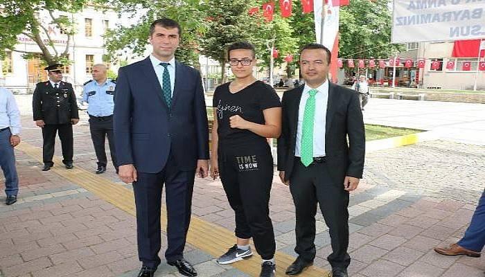 Genç Bayanlar Muay Thai Türkiye Şampiyonu Güler, Bayramiç'te Ziyaretlerde Bulundu