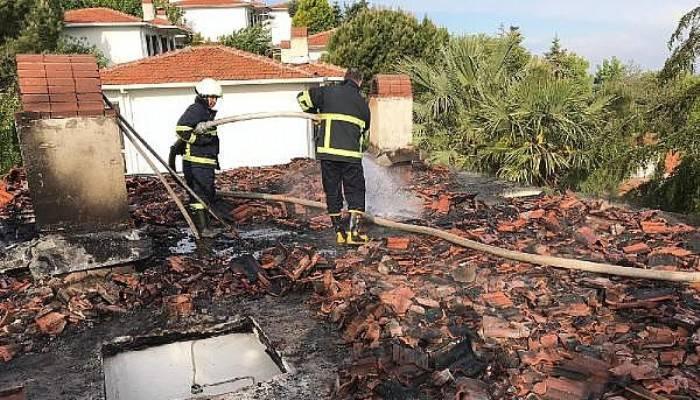 Gelibolu'da Villada Çıkan Yangın Korkuttu