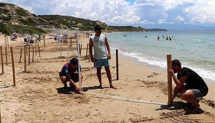 Ayazma Plajı'nda Sosyal Mesafeli Tatil Hazırlığı