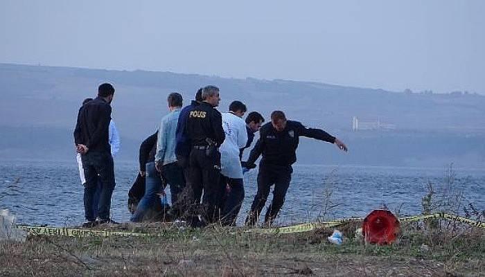 Yaşlı Kadın Lapseki Sahilinde Ölü Bulundu