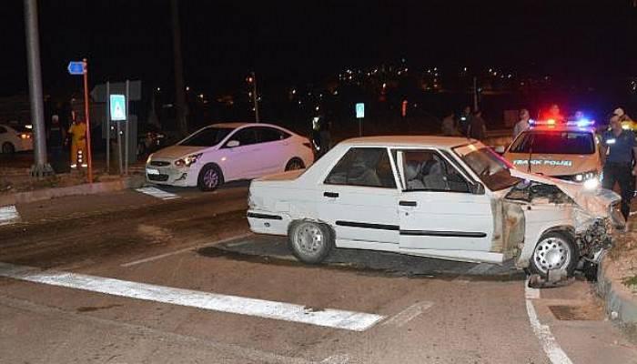 Ayvacık'ta Zincirleme Kaza: 2 Yaralı
