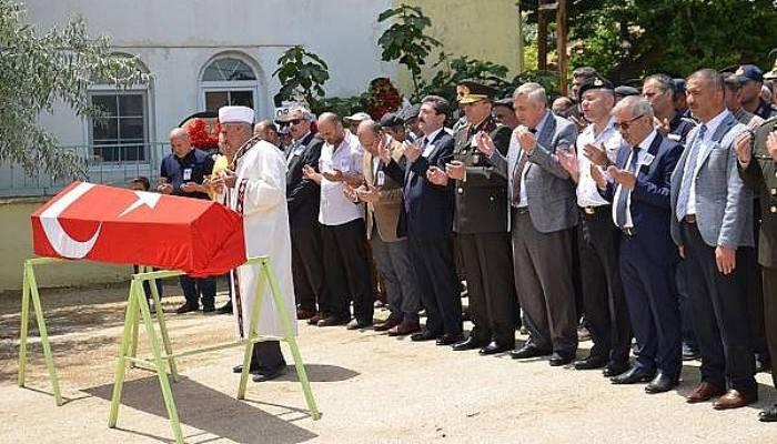 Gelibolu'da Kıbrıs Gazisi Son Yolculuğuna Askeri Törenle Uğurlandı