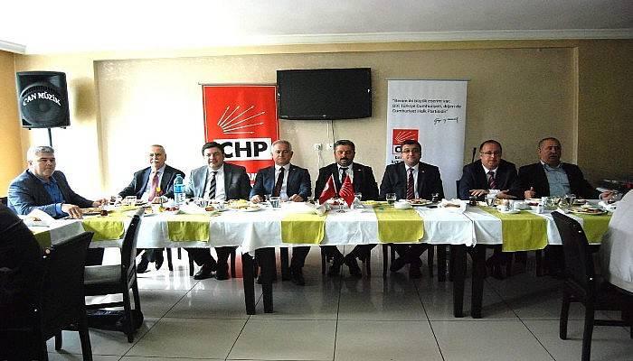 CHP'liler Muhtarlarla Buluştu