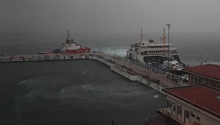 Çanakkale'de Sağanak; Boğaz Transit Gemi Geçişlerine Kapatıldı