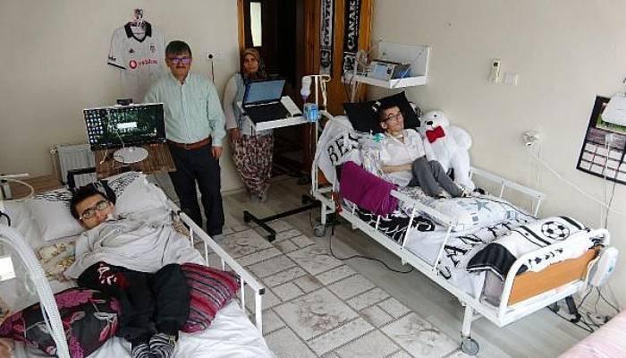 Kas Hastası İki Kardeş Hayatı Gözleriyle Yaşıyor