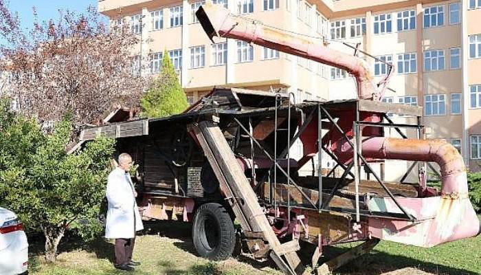 Asırlık Harman Makinesi, Fakülte Bahçesinde Sergileniyor