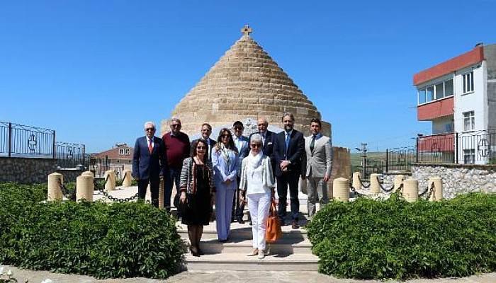 Gurbetteki Beyaz Ruslar, Gelibolu'da Rus Anıtı'nda Anıldı