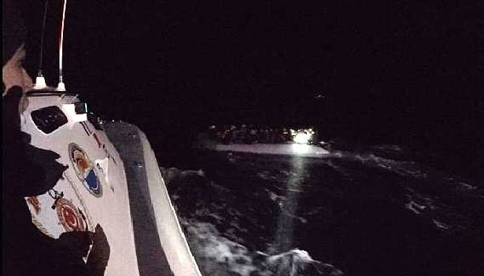 Ayvacık Açıklarında 52 Kaçak Göçmen Yakalandı