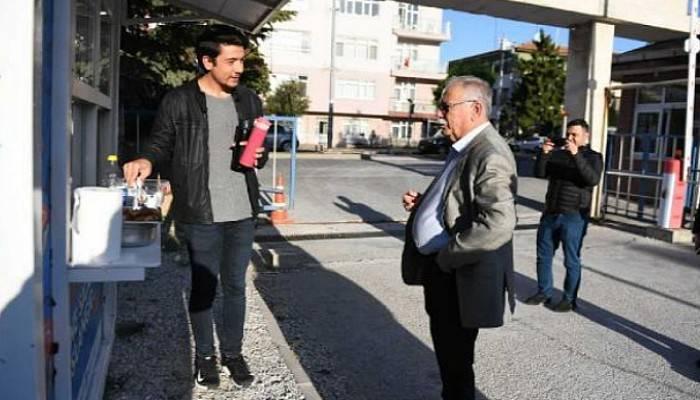Başkan Gökhan, Sıcak Çorba İkramında Üniversite Öğrencileriyle Buluştu