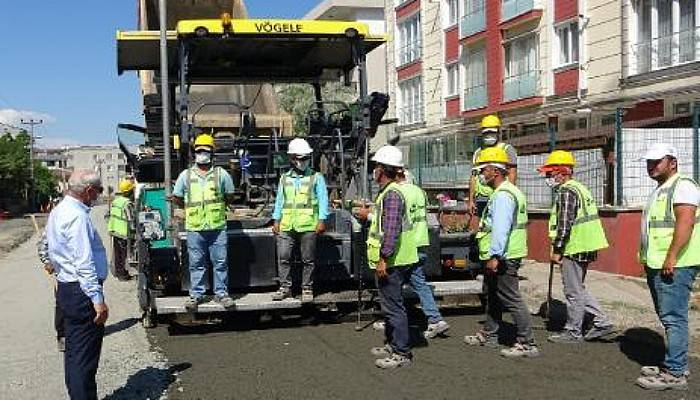 Lapseki'de Çevre Yolunda Asfalt Döküm Çalışmaları Devam Ediyor